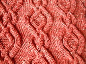 hand-knitted Handarbeit Stola Umschlagtuch Schal braun terracotta Zopfmuster