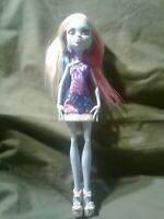 Monster High Scaris City of Frights Abbey Bominable Doll Nice condition!!