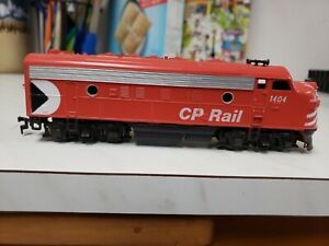 HO Scale Athearn Bluebox CP Rail F7A Powered Unit