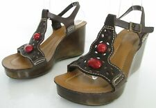 CLARKS SIZE 4 WOMENS BROWN RED STRAPPY ANKLE STRAPS OPEN TOE SANDALS WEDGES SHOE