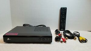 Zenith Digital TV Tuner Converter Box DTT901 with Remote and Cables