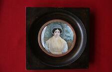 Miniatur Dame mit weißer Haube vor Landschaft um 1830