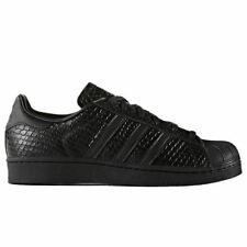 Superstar Standard Width (B) Trainers for Women