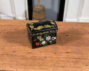 Dollhouse Miniature Artisan Signed Mary Grady O'Brien Hand Painted Box