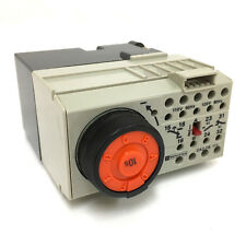 Tiempo de Retardo Relé CA2FR111F Telemecanique 110VAC 15564 CA2-FR-111-F