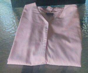 Ladies short sleeve scrub jacket size X-Large snap front pink v-neck Cherokee