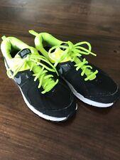 Nike Dart 10 Sportschuhe 40 Schwarz Gelb Neon Sneakers *N Neuwertig Turnschuhe
