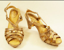 NIB $150 Born Crown Saranna Grey Pinenuts METALLIC GOLD Heels Sandals 10 M