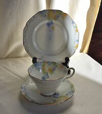 "Paragon trio.Pattern ""Elise"" .Teacup, saucer,and dessert plate.Mark 1935 circa."