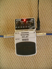 Behringer Digital Delay DD100 foot pedal