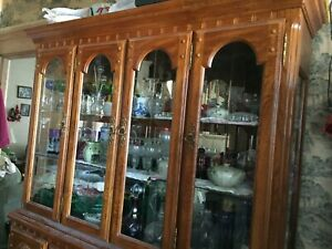 Ethan Allen Buffet & China Hutch Cherry Cabinet