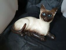 Royal Doulton SIAMESE CAT Lying Down DA125 Beswick 1559 Figurine