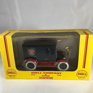 ERTL Shell Company 1920 International Delivery Van Bank 1:25 Die-cast
