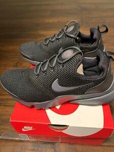 Nike Presto Fly Size 5Y All Black