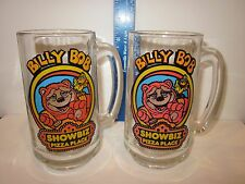 VTG PAIR OF SOUVENIR GLASS MUGS BILLY BOB SHOWBIZ PIZZA PLACE CHUCK E. CHEESE