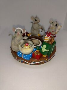 Adorable Christmas Mice Candle Capper Soot Stopper Topper