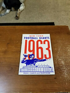 1963 NEW YORK GIANTS FOOTBALL PRESS MEDIA GUIDE RARE WITH UNKNOWN AUTOGRAPH