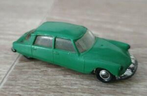 Petite Voiture Norev/les Micro Miniatures /citroen DS19/vintage