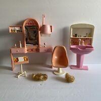 Vintage 1983 Arco Barbie Fashion Doll Beauty Salon Play Set Incomplete w/ Box