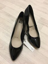 BNWT LADIES ''DEBENHAMS'' BLACK PATENT,LOW HEEL,WORK/ OFFICE COURT SHOES SIZE 8