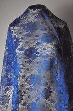 Dentelle leavers Caudry-Calais avec fil lurex ( blue royal 100cm x 115cm)