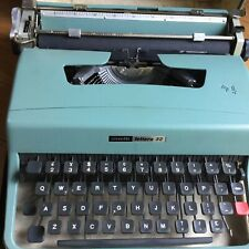 Typewriter Olivetti lettera 32 made in balcelona spain green blue operated used