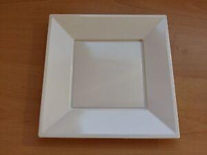 "100 x White 9"" 23cm Square Disposable Plastic Plates Party Wedding Buffet BBQ"