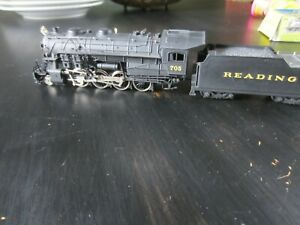 h o trains: Nice running & nicely detailed BACHMANN 2-8-0 READING steam locomoti