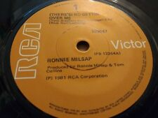 "RONNIE MILSAP "" THERE'S NO GETTIN' OVER ME "" 7"" SINGLE VERY GOOD 1981"