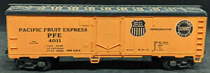 REVELL: Pacific Fruit Express PFE #4011 Boxcar. HO 1956 USA VINTAGE, REEFER