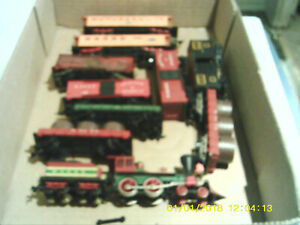Lot of Mantua General 4-4-0 Steamerwith Smoke and Antebellum Cars