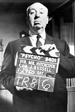 ALFRED HITCHCOCK 24X36 POSTER HOLDING CLAPPER BOARD FOR PSYCHO CLASSIC IMAGE