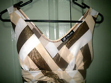 Stunning 8 10 Gold Metallic Thread Pad Cup Geometric V Neck Fitted Tank Top