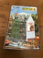 FALLER B-942 TOWNHOUSE WITH SCAFFOLDING SEALED IN BOX