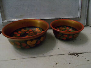 Vintage Russian USSR Khokhloma hand painted folk art bowls x 2 good condition