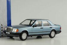 Mercedes-Benz 300 E W124 Limousine hellblau metallic 1:18 MCG diecast