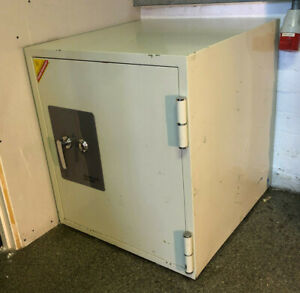 Phonix 2000 Fireproof Datacare Safe/Cabinet Beige 90 Minutes Fire Protection