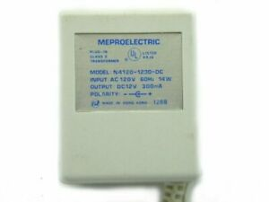 METROELECTRIC Adapter 12 Volts DC @ 300mA 2.5mm DC Plug with Positive Center