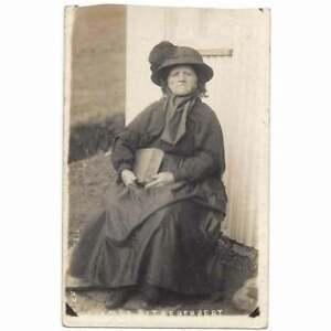 GWARFFORDD Nanny Jenkins Eccentric Old Welsh Woman, Lampeter RP Postcard Unused
