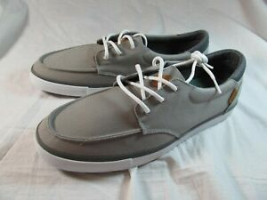 NWT MEN'S REEF DECKHAND 3 CASUAL SHOES GREY/WHITE size 10M ARCH SUPPORT