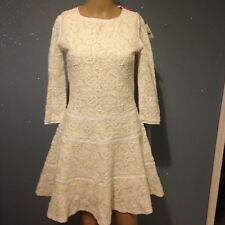Robe patineuse blanc en dentelle See by Chloe tres chic ,taille 36,neuf