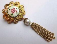 broche bijou vintage couleur or porcelaine peinte à la main pampille perle  2846
