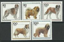 Timbres chiens série