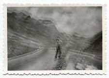 Portrait jeune homme chemin de montagne - photo + négatif ancien an. 1930