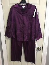 NWT Miss Elaine Women's PJs 2-piece Size Medium
