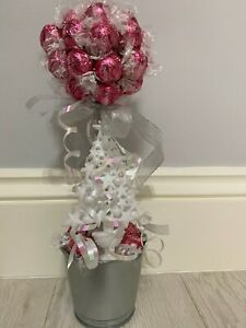 Lindt Lindor straw & cream chocolate sweet tree! Xmas Edition!