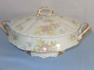 Theodore Haviland  Limoges France Dainty Floral Covered Casserole