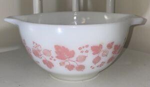 Vtg Pyrex Pink & White Gooseberry #441 / 1.5 PT Cinderella Mixing Bowl