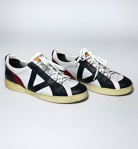 LOUIS VUITTON men's white/black leather sneakers | Size 10.5 (29.5 cm/11.4 in)