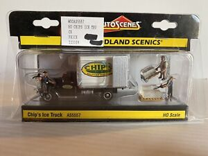 """Woodland Scenic Auto Scenes HO Train """"chip's Ice Truck w/work Figures #AS5557"""